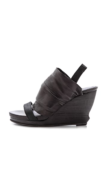 LD Tuttle The Shadow Layered Sandals