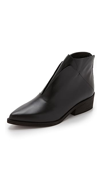 LD Tuttle The Ash Booties
