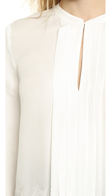 L'AGENCE Lauren Band Collar Pleated Front Blosue