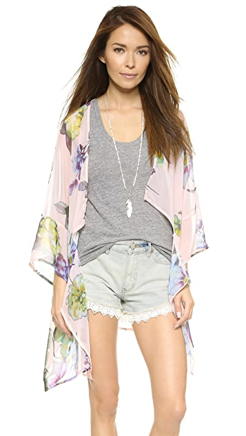 Love Sadie Floral Kimono