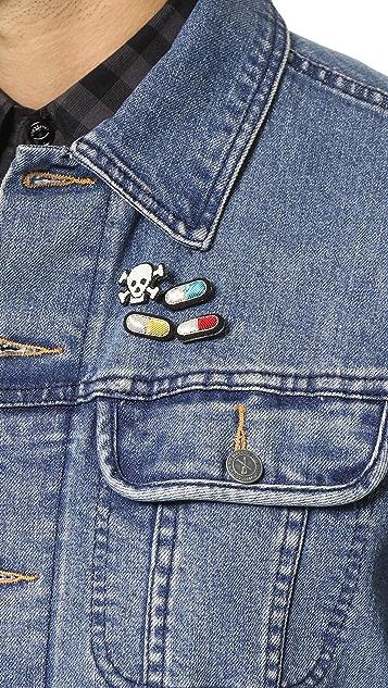 Macon & Lesquoy Pills Pin Set