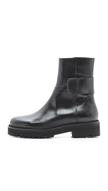 MM6 Flat Boots