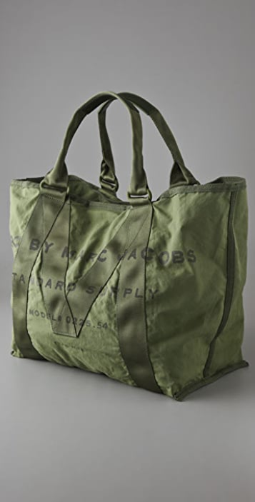 30c76ba61423 ... Marc by Marc Jacobs New Standard Supply Tote ...