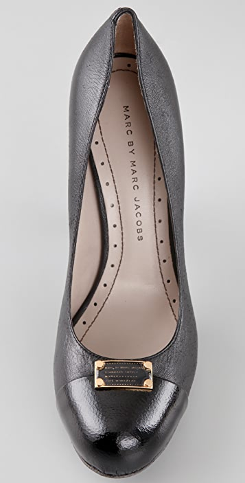 Marc by Marc Jacobs Logo Plaque Cap Toe Pumps