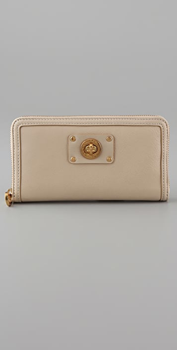 Marc by Marc Jacobs Totally Turnlock Large Zip Around Wallet