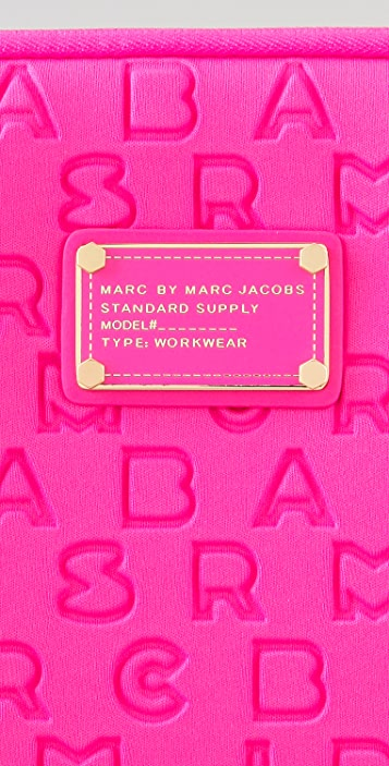Marc by Marc Jacobs Dreamy Logo 15
