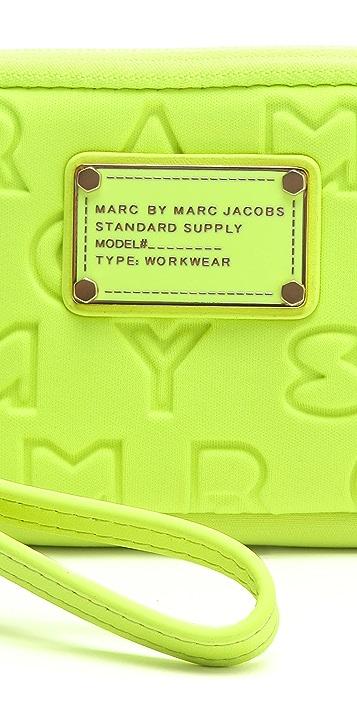 Marc by Marc Jacobs Dreamy Logo Neoprene Universal Case