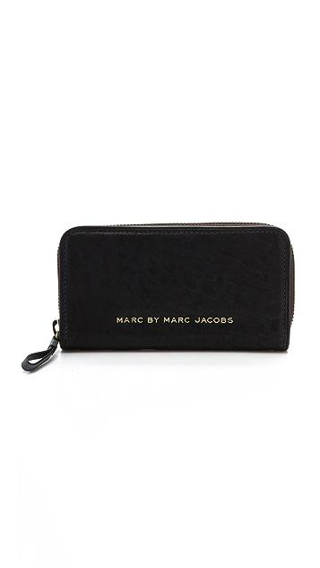 Marc by Marc Jacobs Maverick Vertical Zippy Wallet