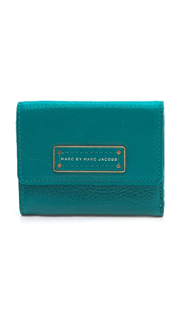 Marc by Marc Jacobs Too Hot To Handle New Billfold