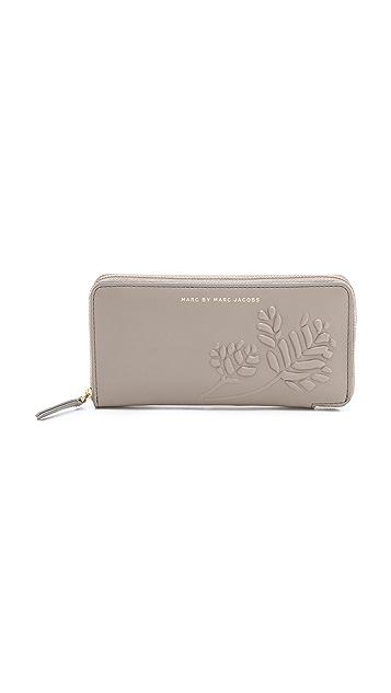 Marc by Marc Jacobs Mini Mareika Slim Zippy Wallet