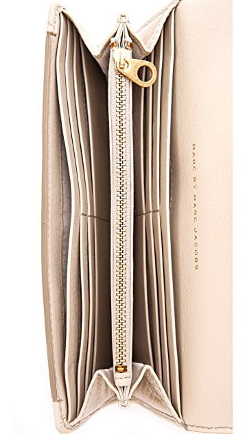 Marc by Marc Jacobs Get A Grip Continental Wallet