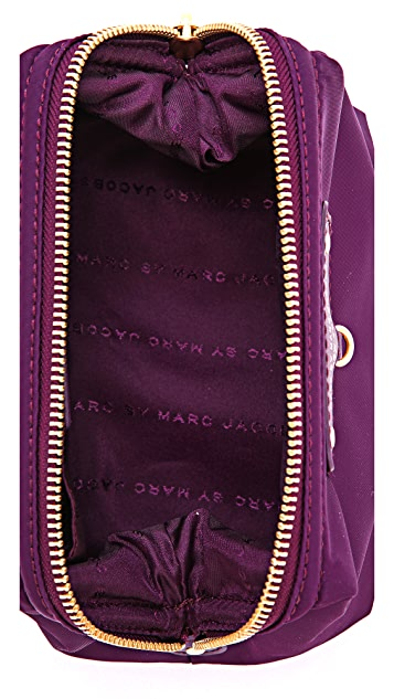 Marc by Marc Jacobs Preppy Nylon Framed Big Blitz Pouch