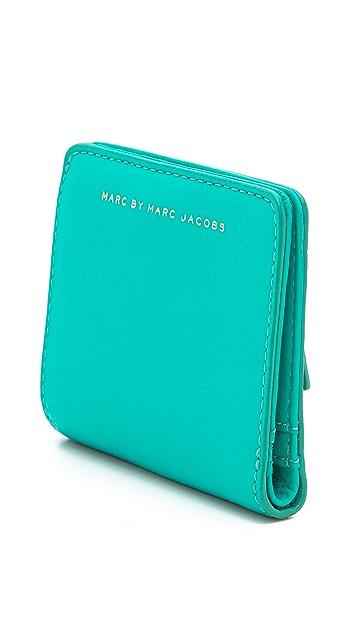 Marc by Marc Jacobs Sophisticato Emi Wallet