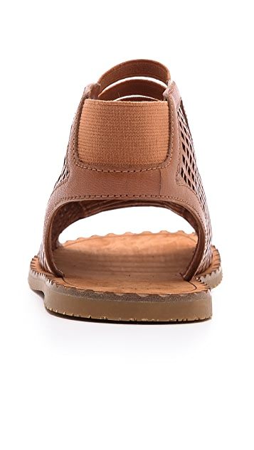 Marc by Marc Jacobs Easy Breeze Flat Sandals