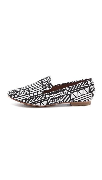 Matiko Lilo Printed Loafer Flats
