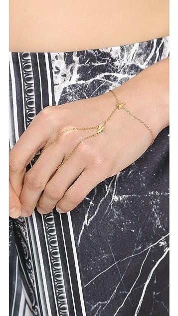 Maria Black Darling Finger Bracelet