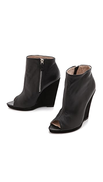 Messeca New York Georgia Wedge Booties