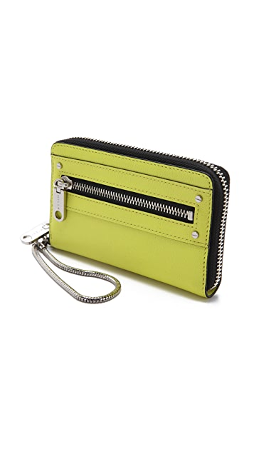 Milly Riley Smartphone Wristlet