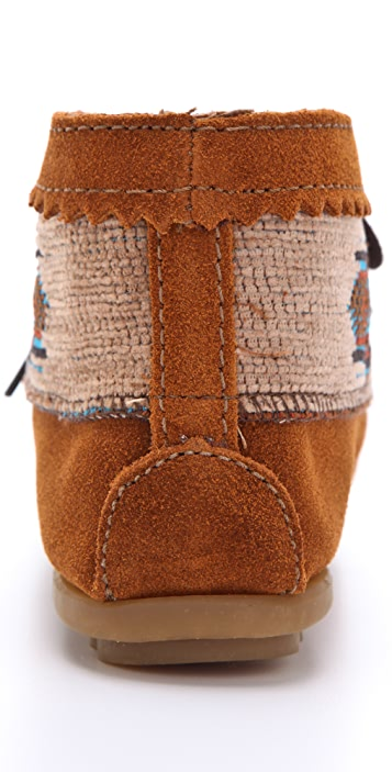 Minnetonka El Paso Ankle Booties