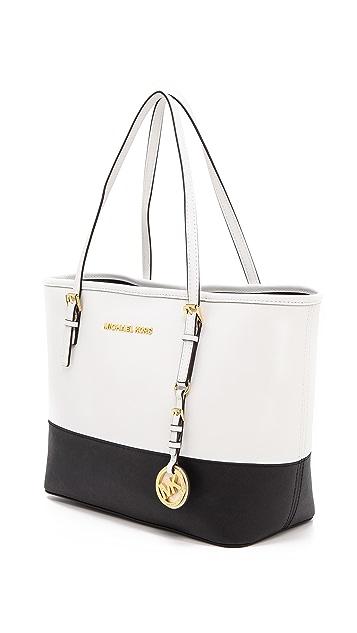 MICHAEL Michael Kors Маленькая дорожная объемная сумка Jet Set с короткими ручками