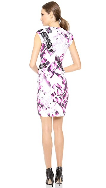 Monique Lhuillier Sleeveless Shift Dress