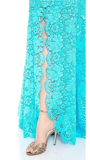 Monique Lhuillier Chantilly Lace Strapless Gown