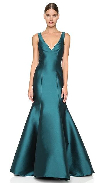 Monique Lhuillier Mermaid V Neck Gown