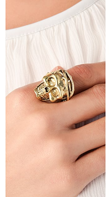 Monserat De Lucca Skull Ring