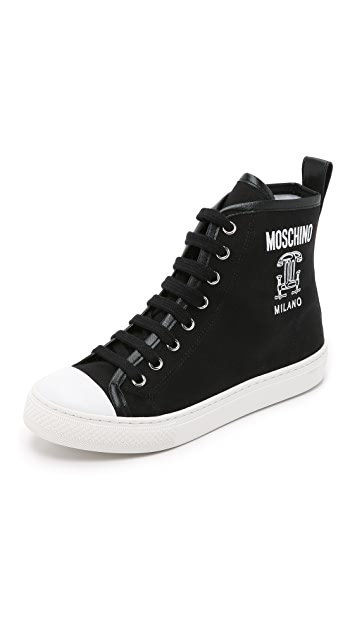 Moschino Canvas Sneakers  9aaa4a447fc