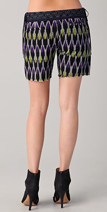 Of Two Minds Peri Wooden Wheels Ikat Shorts