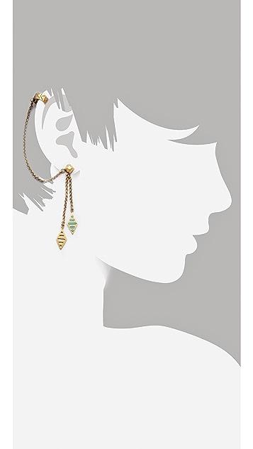 A Peace Treaty Hetmet Single Earring