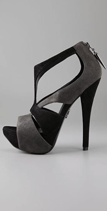 Rock & Republic Jolene T Strap Pumps