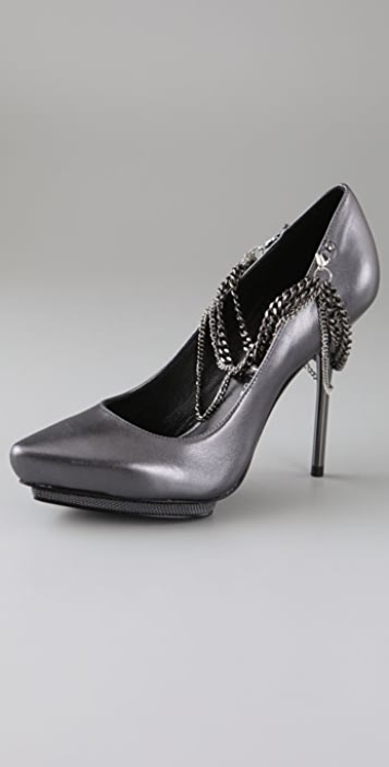 Rock & Republic Alayna Chain Pumps