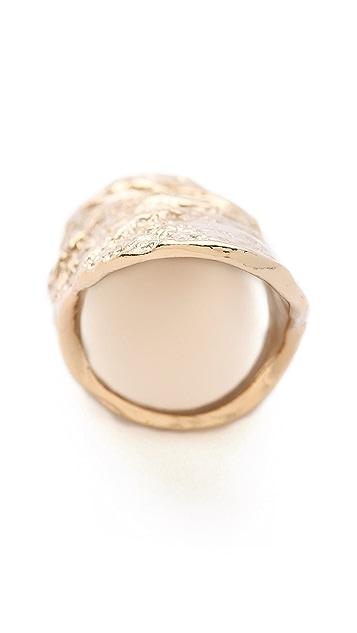 Rose Pierre Banyan Tree Bark Long Finger Ring