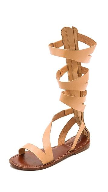 c8d0642ebc1 Schutz Bilquis Flat Gladiator Sandals