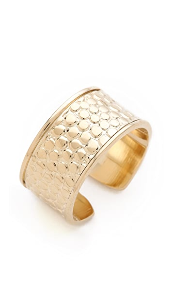 Shashi Etched Ring