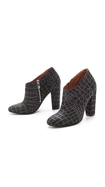 Sigerson Morrison Gisele Leather Booties