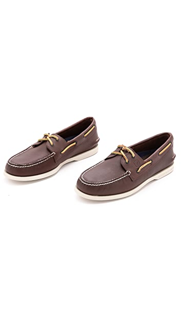 Sperry A/O Classic Boat Shoes on White Sole