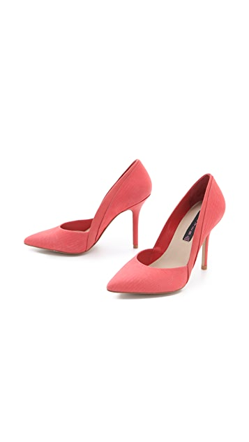 Steven Akcess Pumps