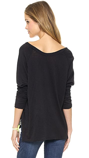 SUNDRY Boxy Long Sleeve V Neck Tee
