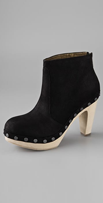 Twelfth St. by Cynthia Vincent Wiley Clog Booties