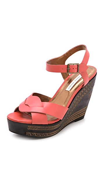 Twelfth St. by Cynthia Vincent Luz Wedge Sandals