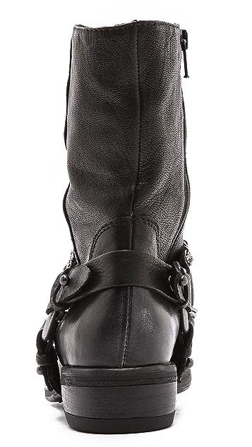 Vera Wang Valencia Chain Moto Boots