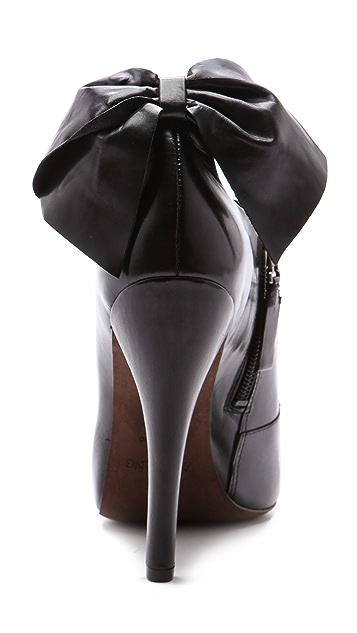 Vera Wang Jude Ankle Booties