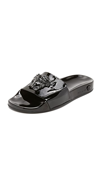 7a577cd21 Versace Medusa Slides