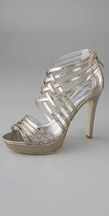 Pour La Victoire Metallic Bethanie Strappy Platform Sandals