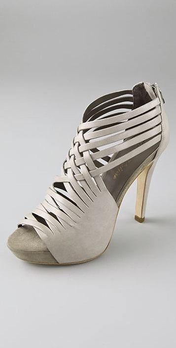 Pour La Victoire Dierda Strappy Platform Sandals