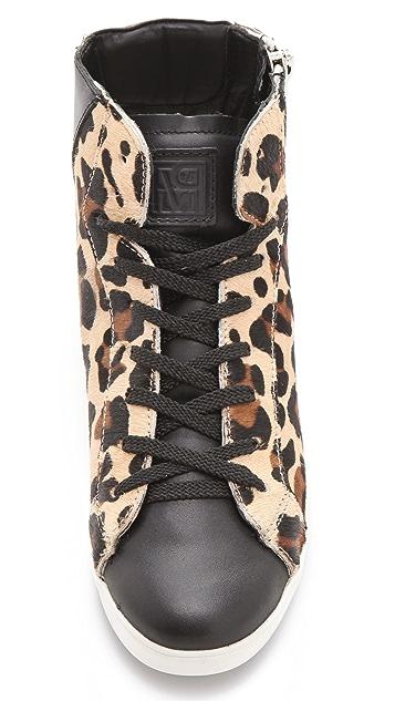 Pour La Victoire Heidi Haircalf Sneakers