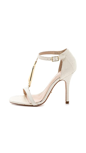 Pour La Victoire Yolanda T-Strap Sandals
