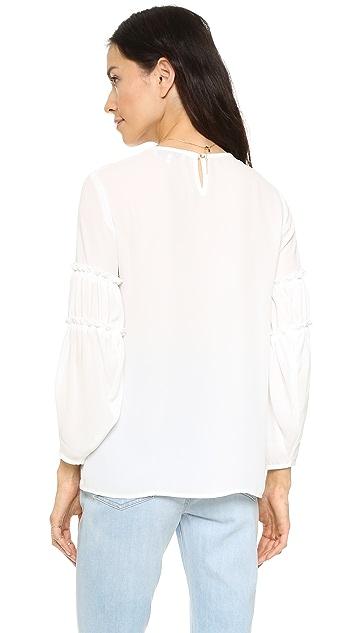 WAYF Блуза с оборчатыми рукавами